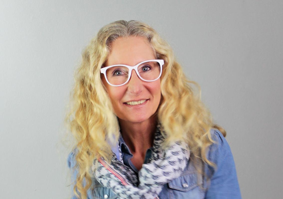 Brillenparty Ratgeber: Rechteckige Gesichtsform? Welche Brille passt ...